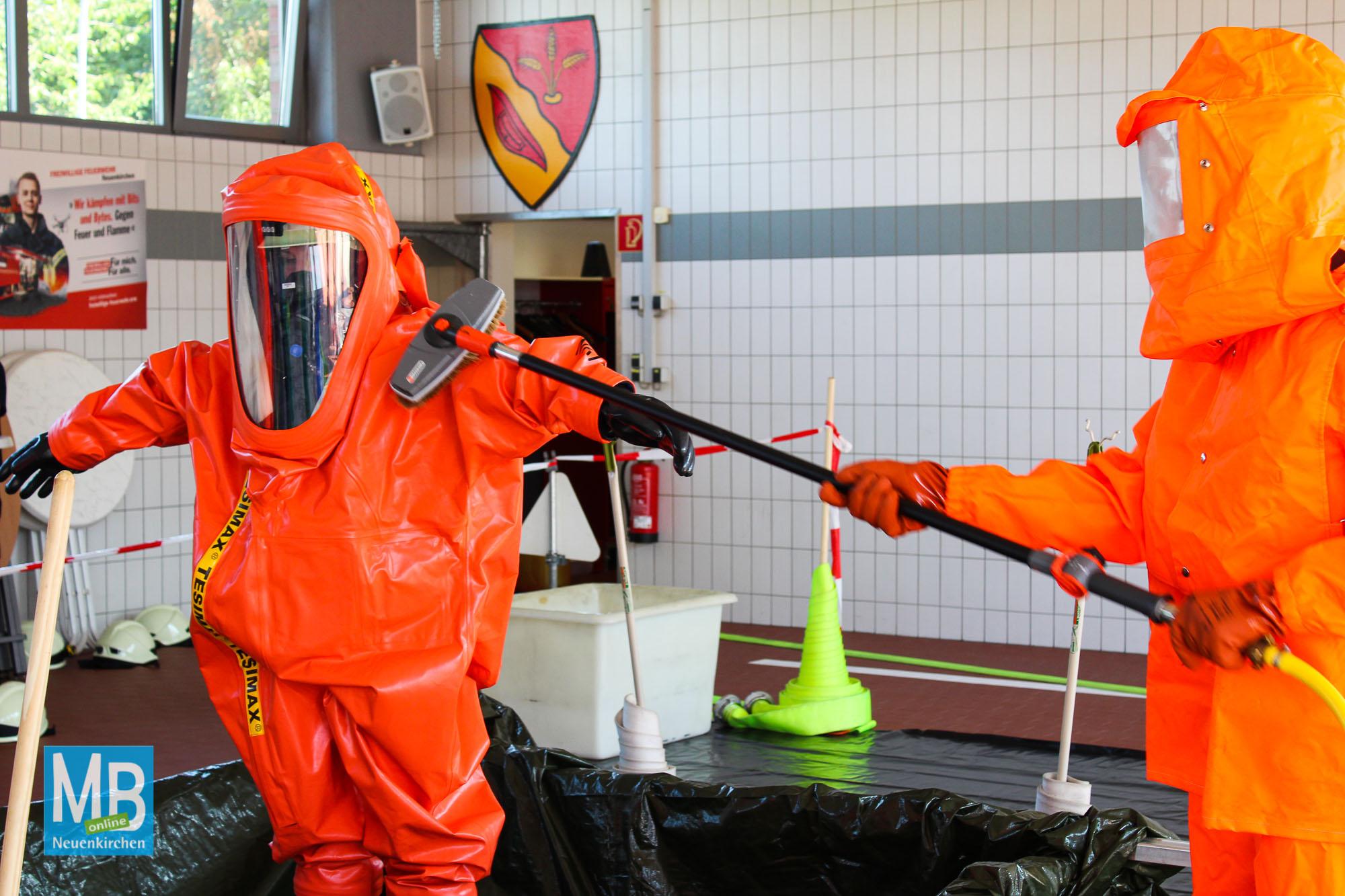 Übung für den Ernstfall: ABC-Einsatz für die Freiwillige Feuerwehr Neuenkirchen. | Foto: Kaumanns