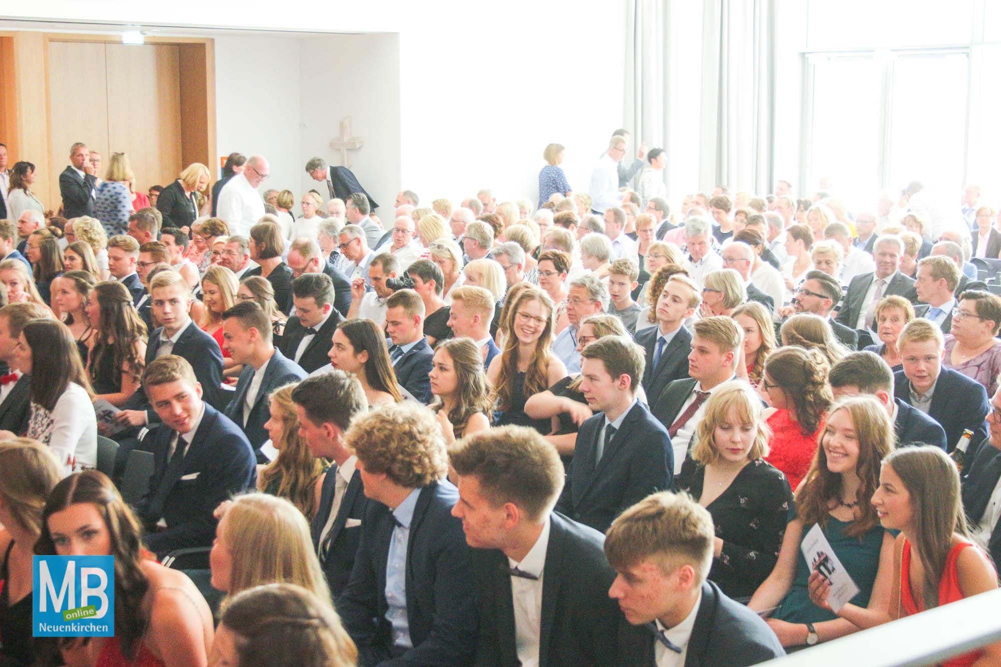 Feierlicher Festakt und Entlassfeier am AJG | Foto: Stefan Heuermann