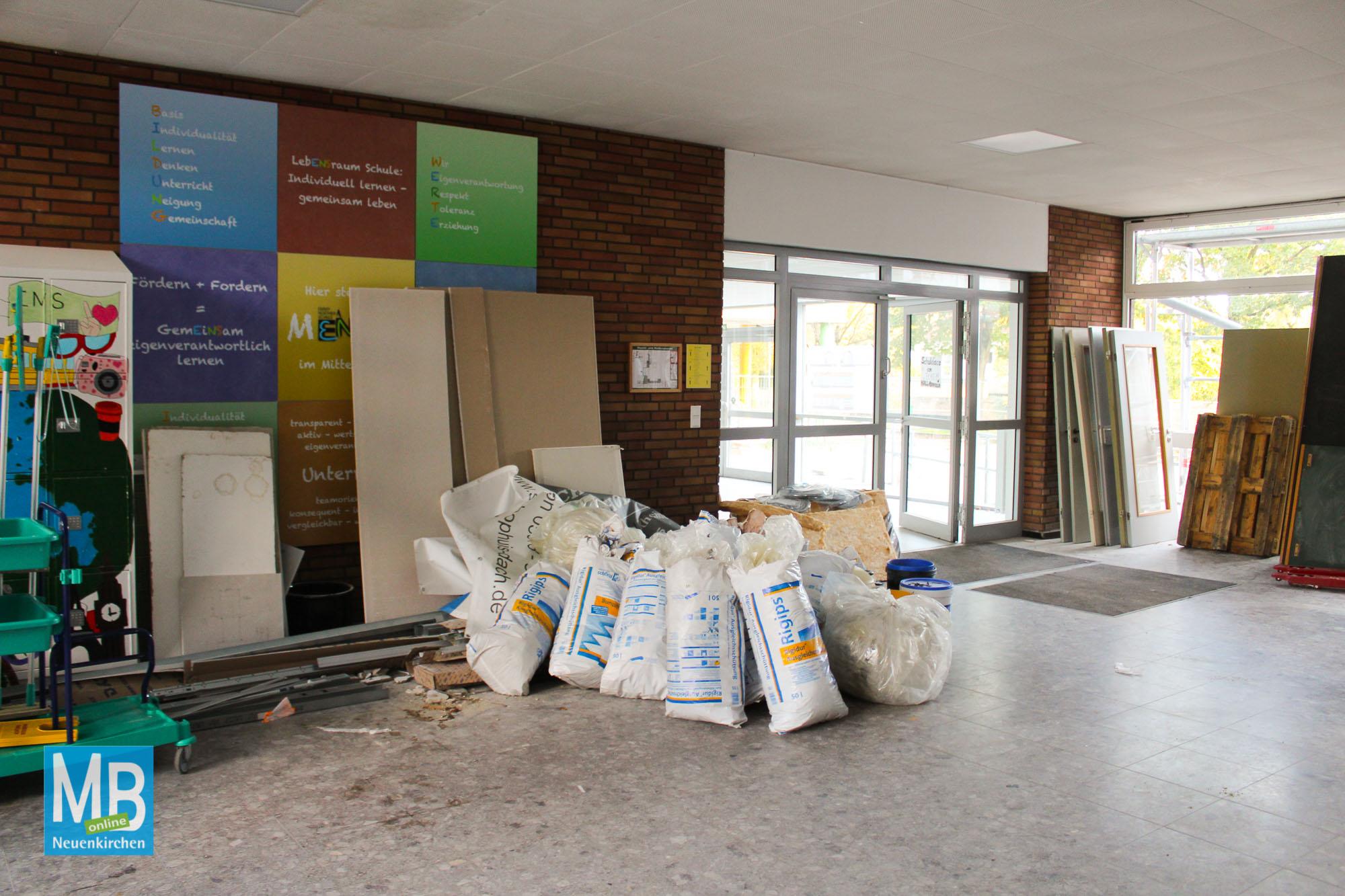 Baustellenbesichtigung: Ehemalige Heriburgschule. | Foto: Lea Helene Kaumanns