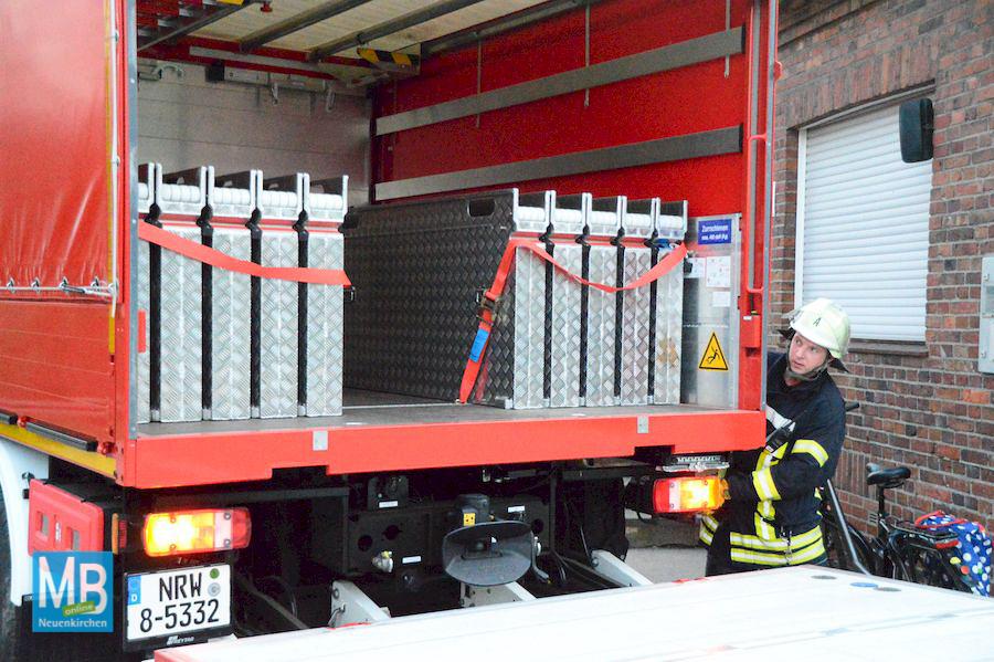 Feuerwehrübung an der Raiffeisen-Genossenschaft am Bahndamm. | Foto: Lünnemann/Feuerwehr