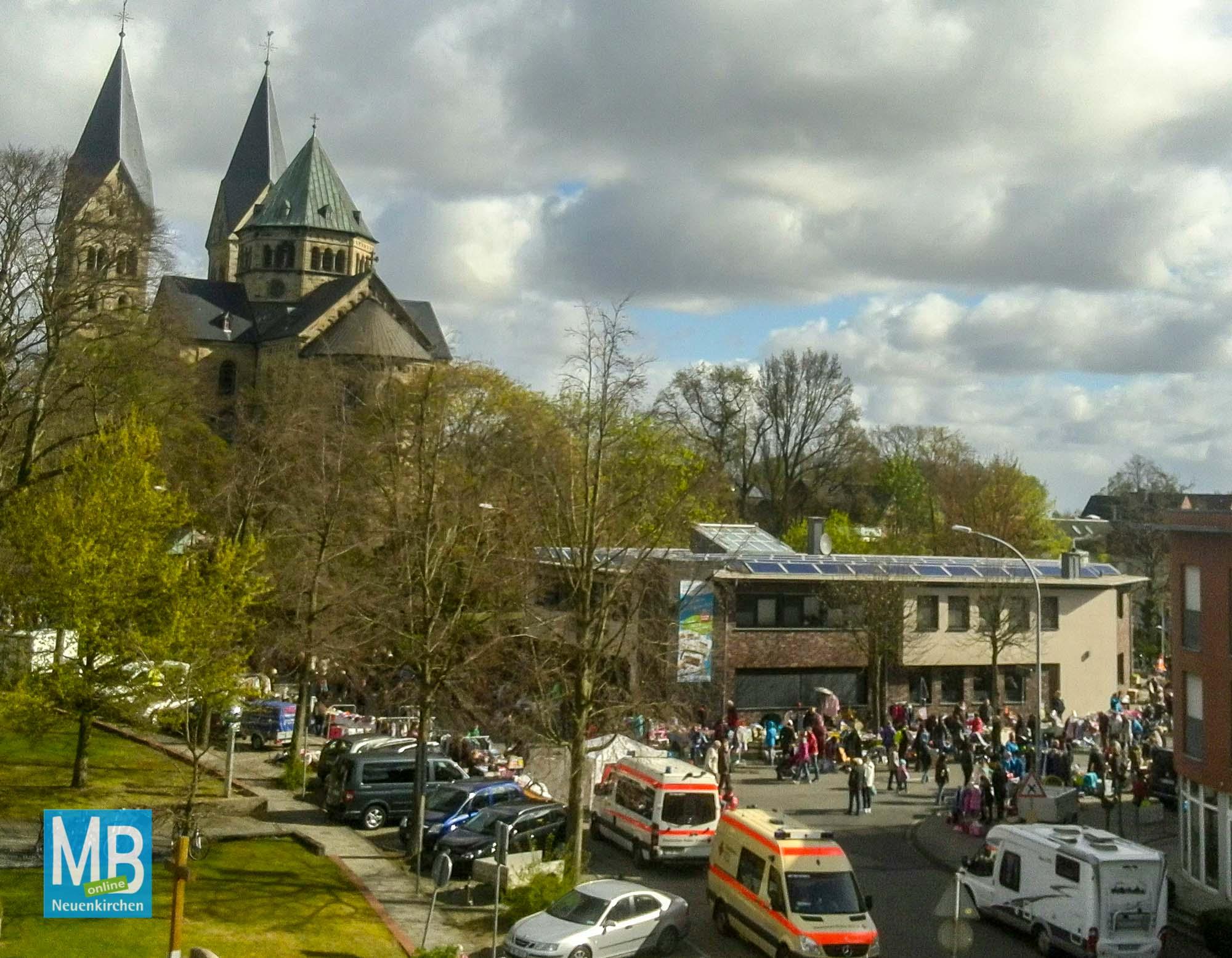 Eindrücke vom Flohmarkt.   Foto: Dirk Fleddermann