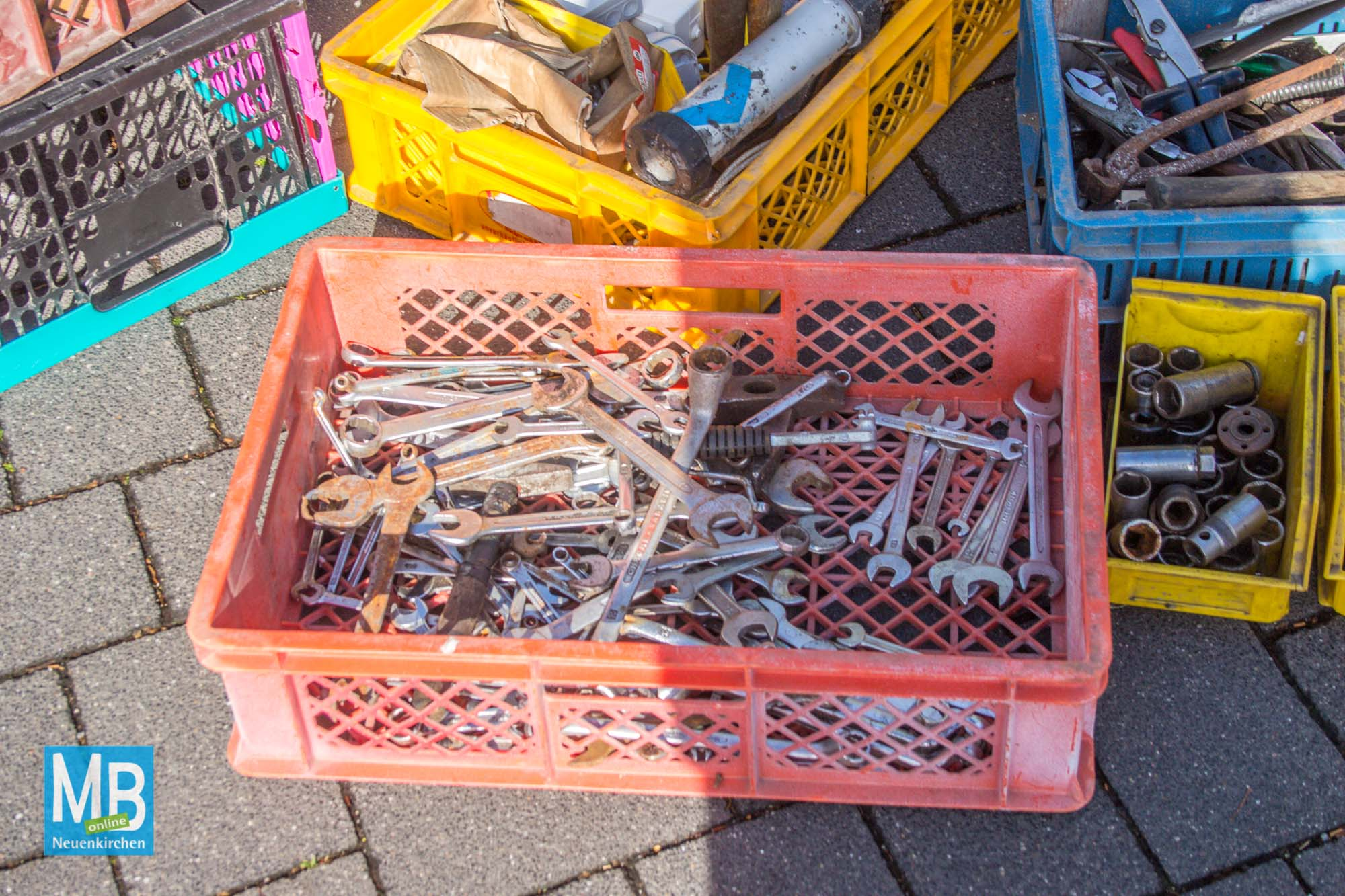 Eindrücke vom Flohmarkt.   Foto: Stefan Heuermann