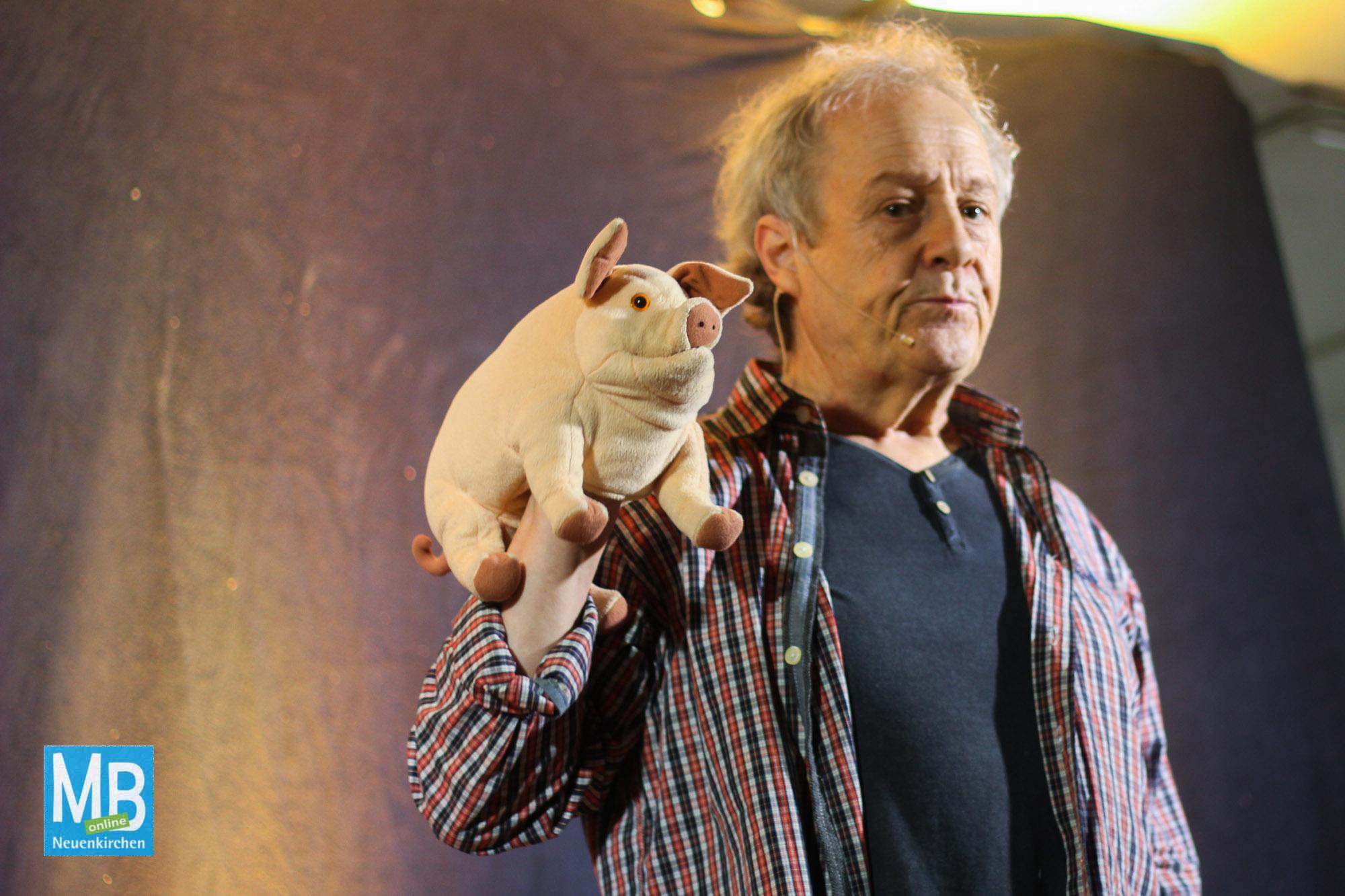 Eine bunte Mischung aus Witz, Musik und Theater bei der letzten Tour von Komödiant Kalle Pohl. | Foto: Kaumanns