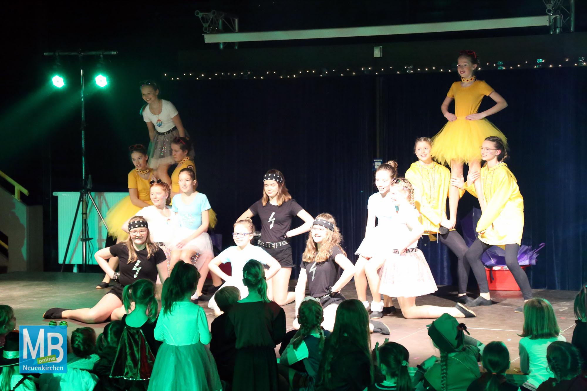 Großer Auftritt für die Kleinen.   Foto: Kösters