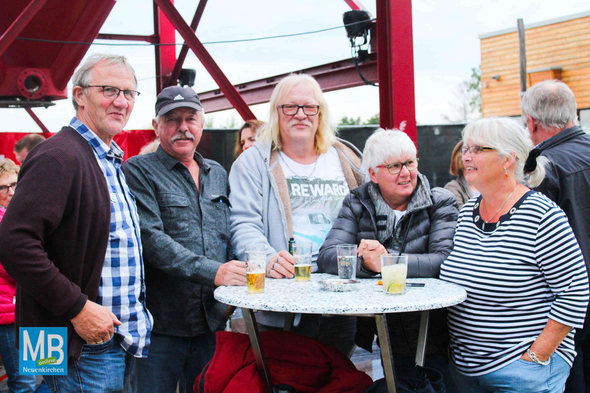 """Hochklassige Rockmusik beim zweitägigen """"Offlumer Seefest"""".   Foto: Lea Helene Kaumanns"""