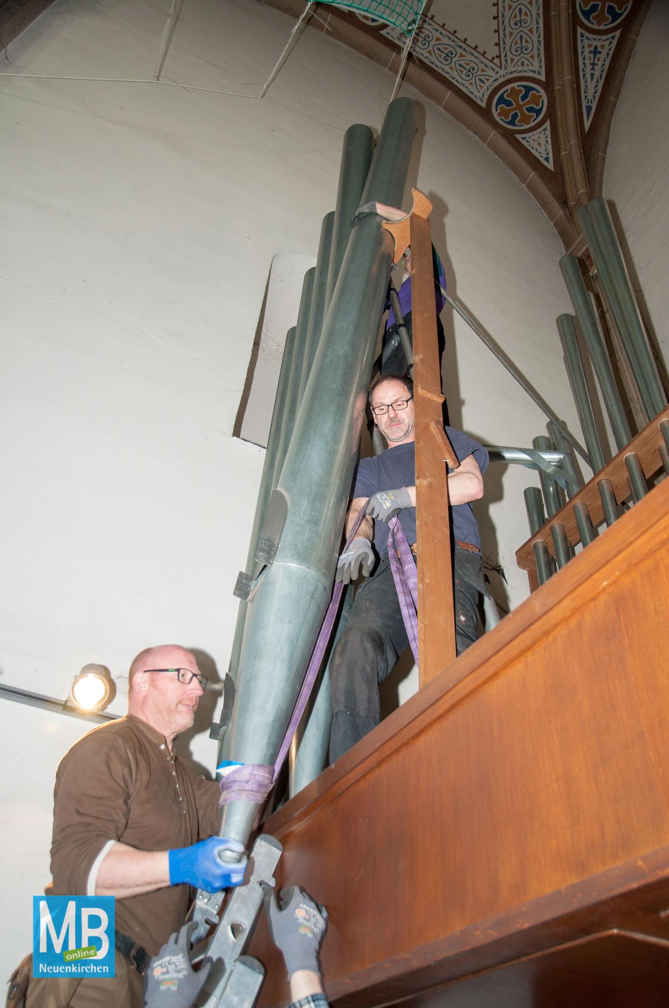 Kirchenorgel wird abgebaut