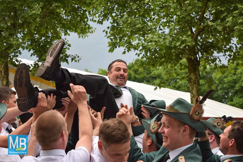 Ralf Leifker ist neuer König des Schützenvereins Landersum. | Foto: privat