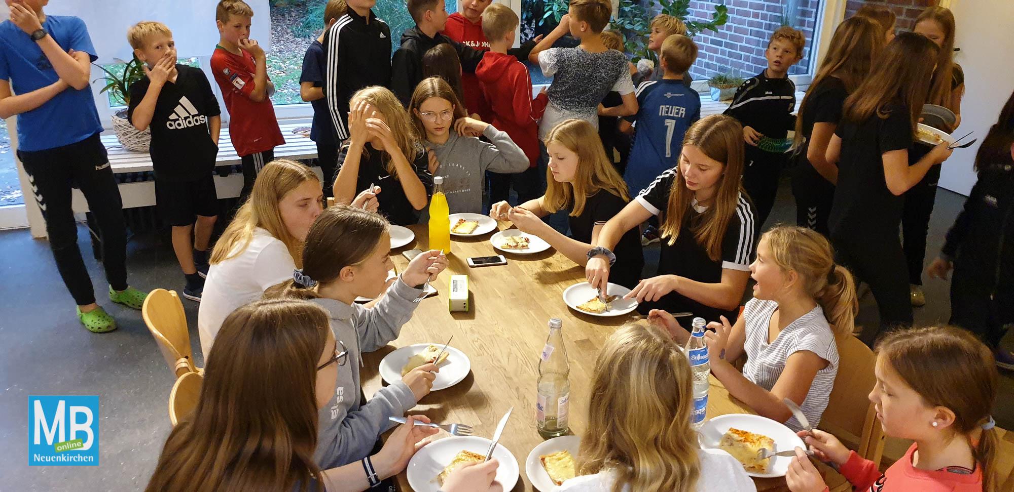 Über 100 Kinder verbrachten die beliebte Jugendfreizeit in einer Jugendherberge in Brüggen. | Foto: Kaumanns