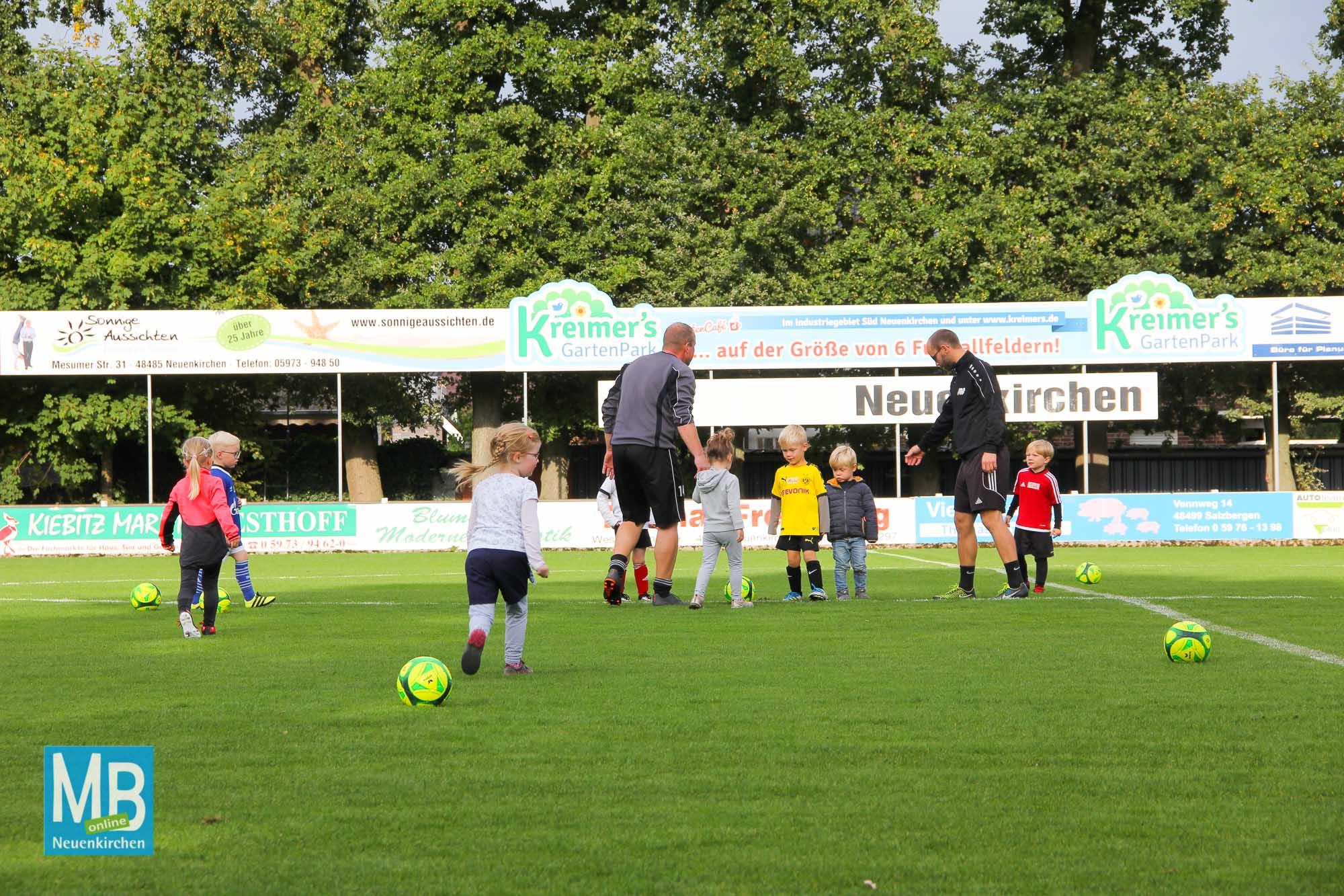 SuS Starters: Das allerste Mal auf einem Fußballfeld trainieren. | Foto: Kaumanns