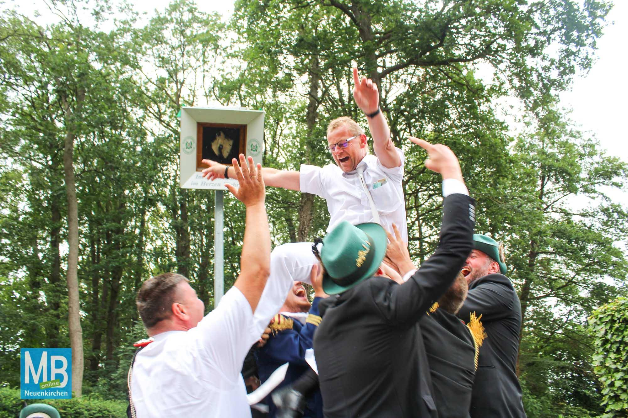 Gute Stimmung beim diesjährigen Schützenfest in Sutrum-Harum.   Foto: Lea Helene Kaumanns
