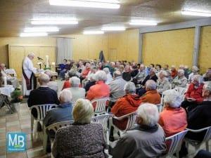 Gut hundert Gottesdienstbesucher konnte Diakon Friedel Nähring beim ersten Gottesdienst der neuen Campingsaison begrüßen.