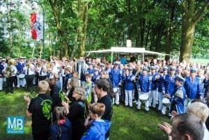 Der Anhang des St. Arnolder Spielmannszuges überraschte mit einem gemeinsamen Spiel aller Neuenkirchener Spielmannszüge.
