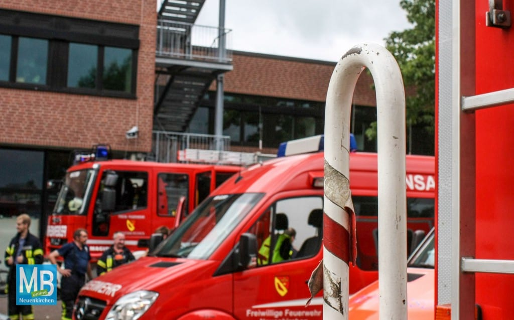 Die Feuerwehr rückte am Montagmittag zu einem Brand an der Emmy-Noether-SChule aus. | Foto: Wunderlich